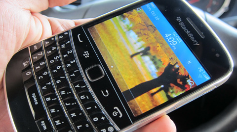 BlackBerry Bold 9900 Review   SciTech   GMA News Online
