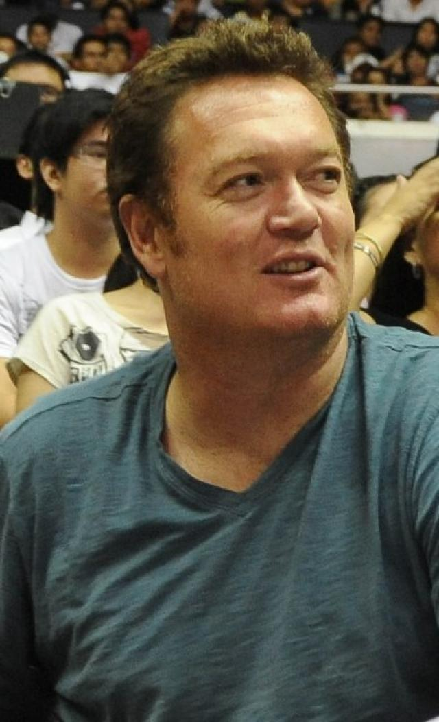 30876eaa4 Ex-Bull Luc Longley praised for breaking up brawl  FIBA urged to act ...