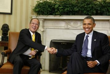 President Aquino meets US President Obama in the White House