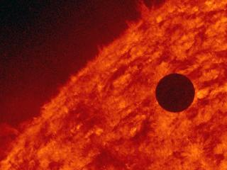 Rare Venus Transit documented by NASA
