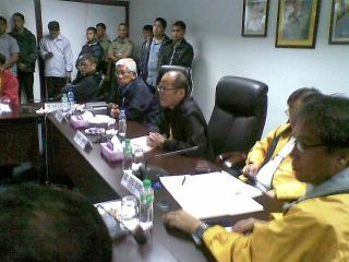 PNoy at NDRRMC emergency meeting