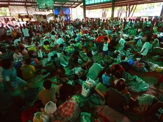 QC flood victims evacuated to safer grounds