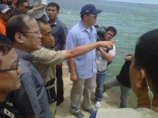 PNoy near Robredo plane crash site off Masbate coast