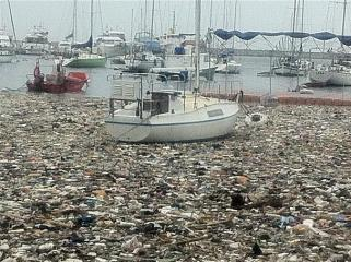Manila Yacht Clubs sea of trash