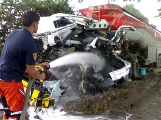 9 dead in Nueva Ecija road smash-up