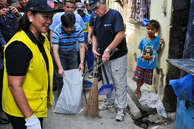 cleaning the barangay An environment group urged barangay and sangguniang kabataan candidates  to clean up their own posters, streamers, and flyers as the.
