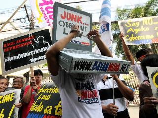 As protests mount, SC issues TRO on cybercrime law