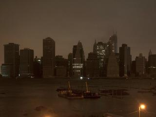 Darkness covers NY as Sandy makes landfall