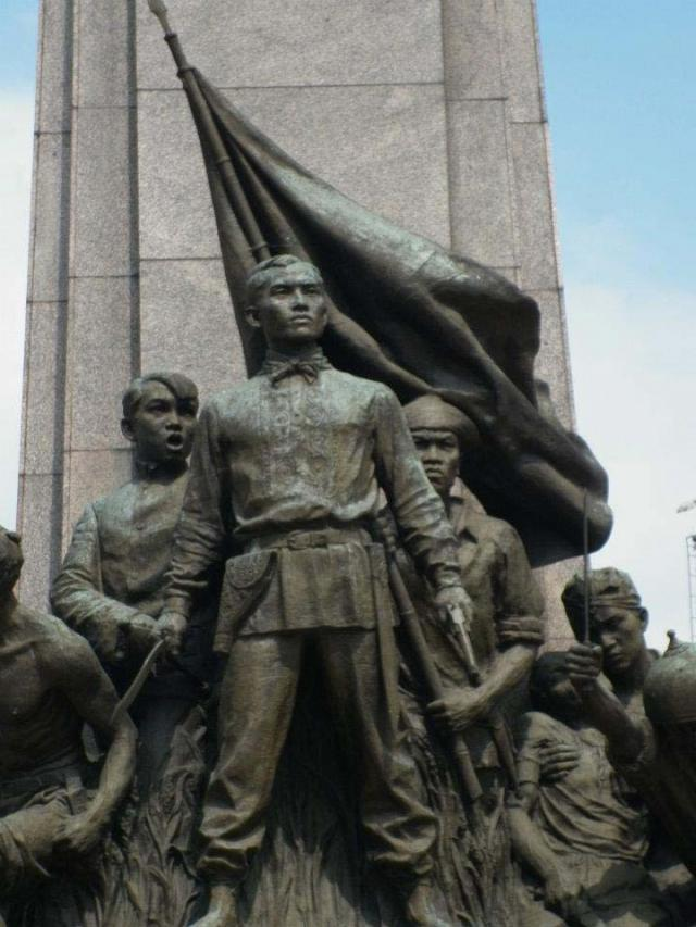 """andres bonifacio story of life essay Two-storey building indeed offers new insights to the revolutionary  """"first, we  want to highlight the heroism of andres bonifacio and his  to earn a living, the  young bonifacio began with selling wood,  """"he had written his own poems [see  sidebar pag-ibig sa tinubuang lupa""""]and essays in english,."""