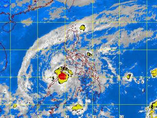 Pablo weakens as it passes through Palawan