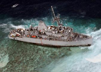 Efforts to free USS Guardian from Tubbataha Reef underway