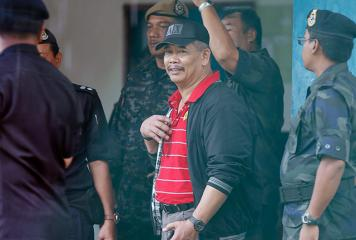 Malaysian cops, troops surround Filipino armed group in Sabah