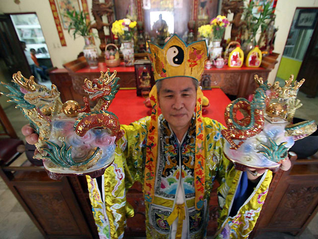Feng Shui Master feng shui master welcomes year of the with ritual photos