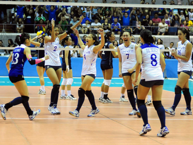 UAAP: Lady Eagles forge Finals showdown with DLSU | Photos | GMA News Online