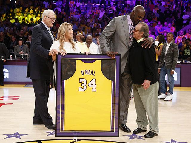 Lakers treo vĩnh viễn số áo 34 của huyền thoại Shaquille O'Neal
